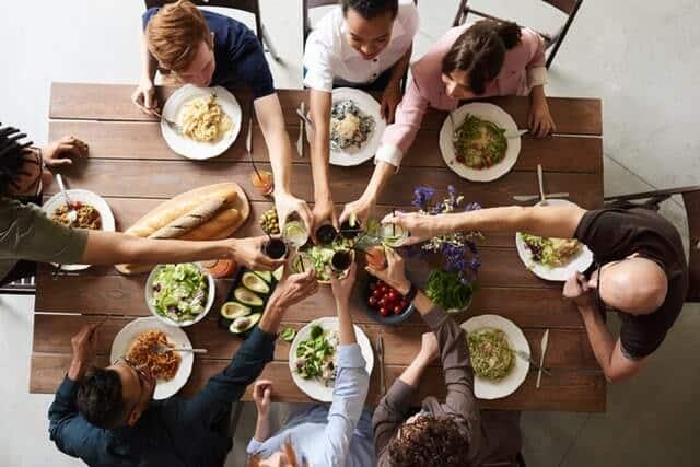 Yhdessä syöminen